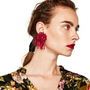 CLOSET REHAB Jewelry - Burst Beaded Statement Earrings in Pink